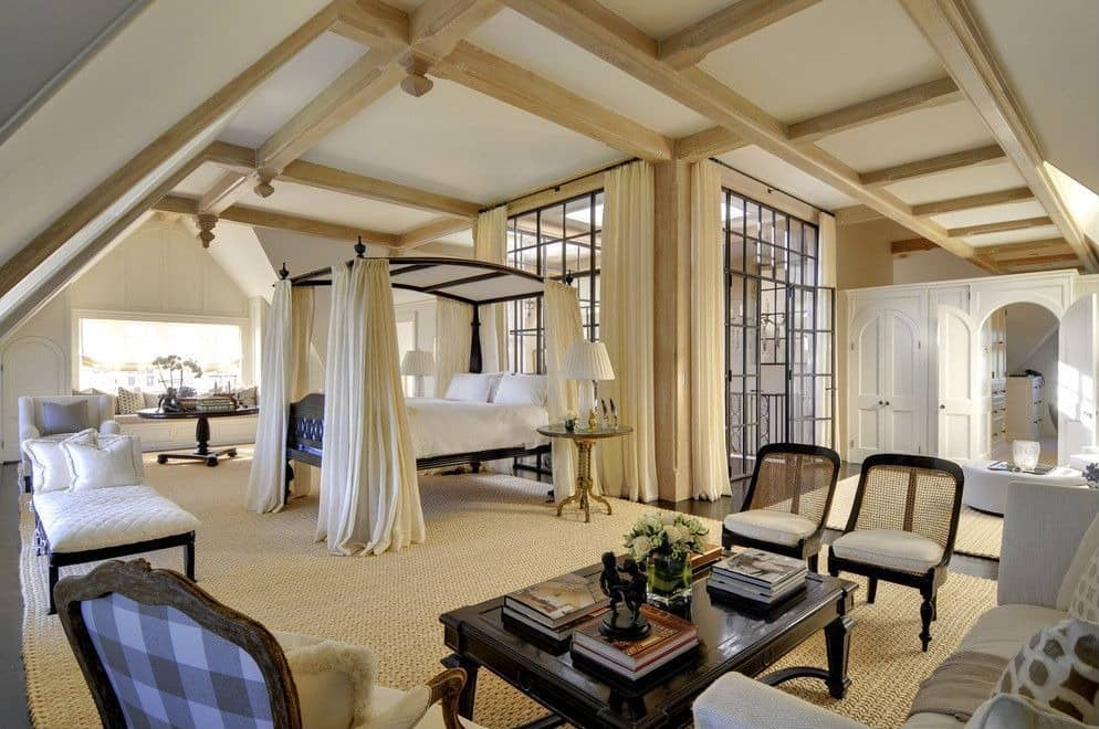 Canopy Bed Luxurious Bedroom