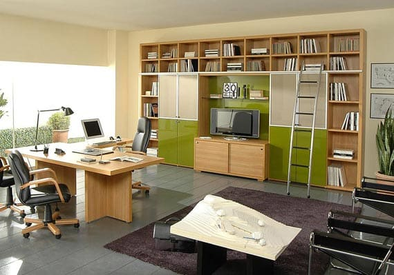 Here's a home-office with balanced and energetic colors.