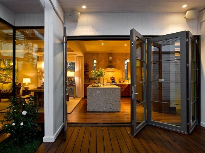 balcony door open to kitchen feng shui-min (Demo)