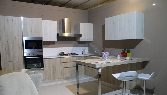 small kitchen white wall feng shui-min (Demo)