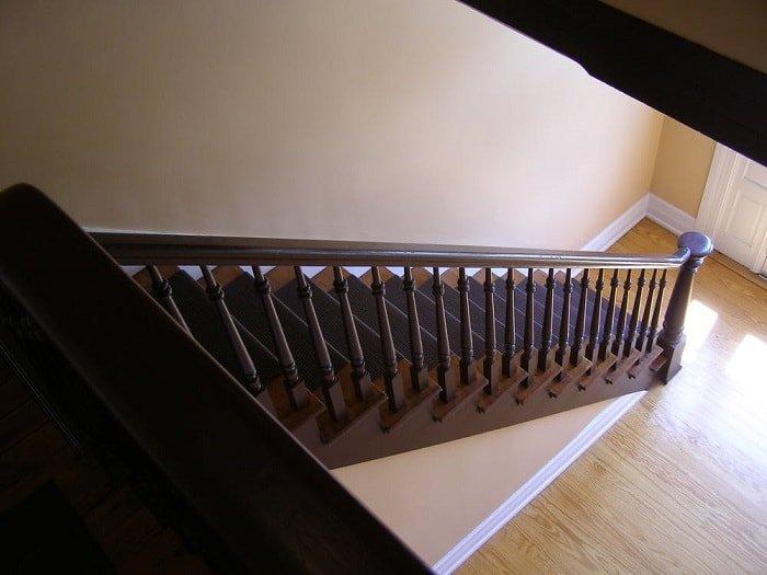 stairway-looking-down-min (Demo)