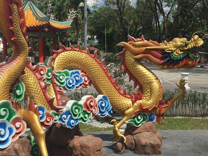 chinese dragon sculpture-min (Demo)